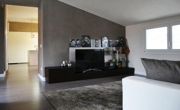 LTAB/LAB STUDIO Ruang Keluarga Modern
