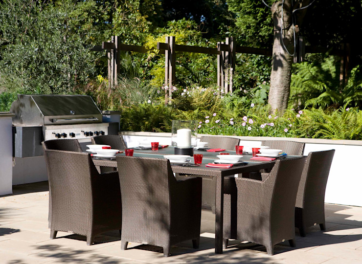 KSR Architects | Compton Avenue | Outdoor dining table & BBQ KSR Architects Modern style gardens