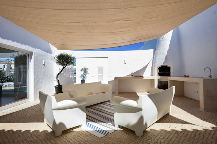 homify Mediterraner Balkon, Veranda & Terrasse