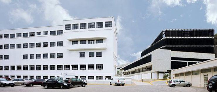 PA - Puchetti Arquitectos Hospitals Grey