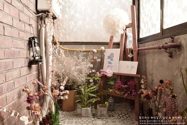Self Interior 셀프 보일러실 인테리어 함프리 스칸디나비아 발코니, 베란다 & 테라스