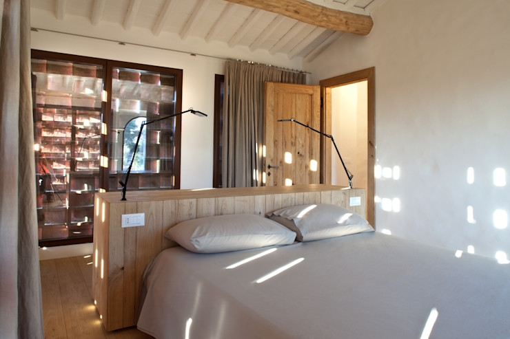 Nuovo progetto MIDE architetti Camera da letto in stile rustico