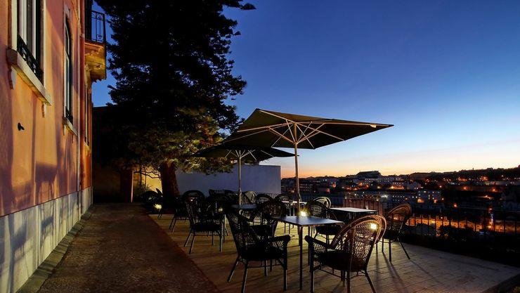 isabel Sá Nogueira Design Balcones y terrazas de estilo mediterráneo