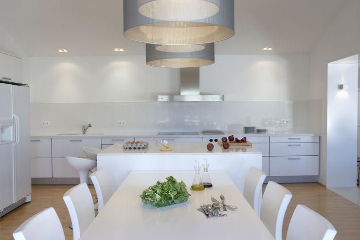 MI-SA jordivayreda projectteam Cocinas de estilo moderno