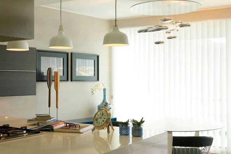 Atelier Susana Camelo 現代廚房設計點子、靈感&圖片 Blue