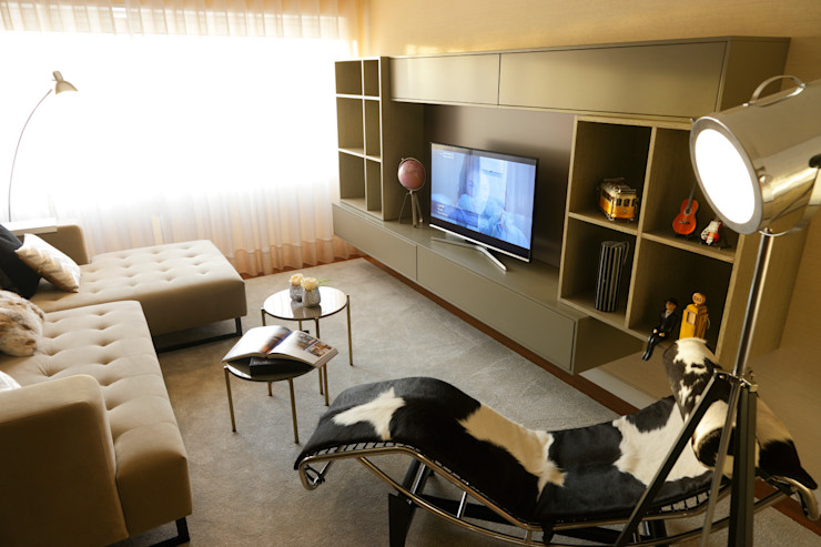 Atelier Susana Camelo 现代客厅設計點子、靈感 & 圖片 Brown