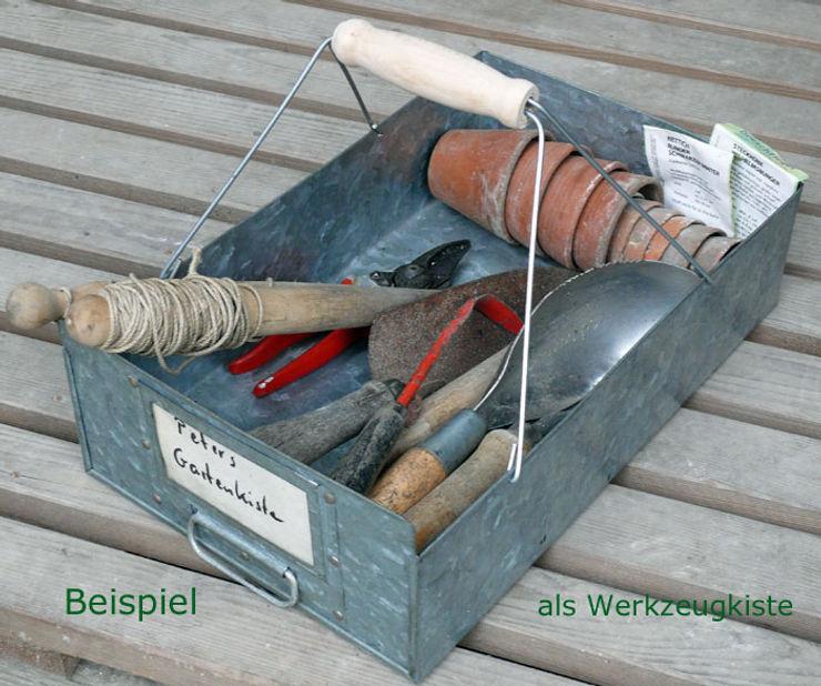 Blickfang: Alte Zeiten Menzel & Bauer GbR Garajes y galpones