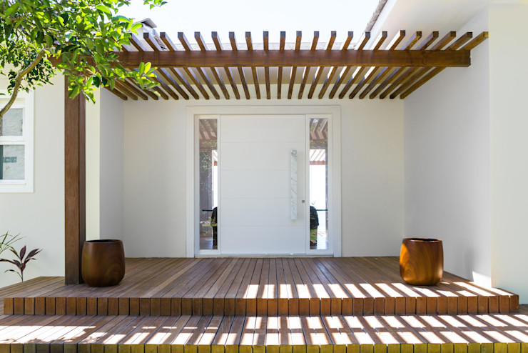 WR House Renata Matos Arquitetura & Business Rumah Tropis Parket Wood effect