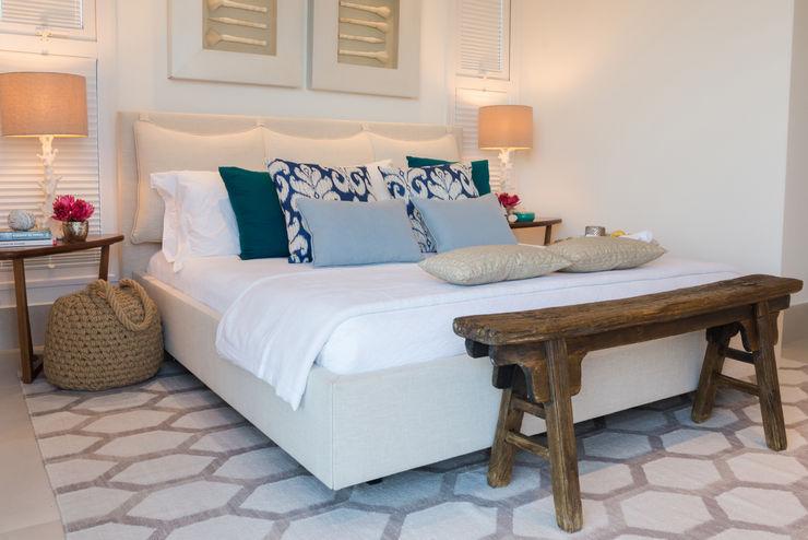 WR House Renata Matos Arquitetura & Business Dormitorios de estilo tropical