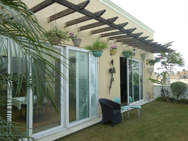 Exterior Painting Quik Solution Mediterranean style balcony, veranda & terrace