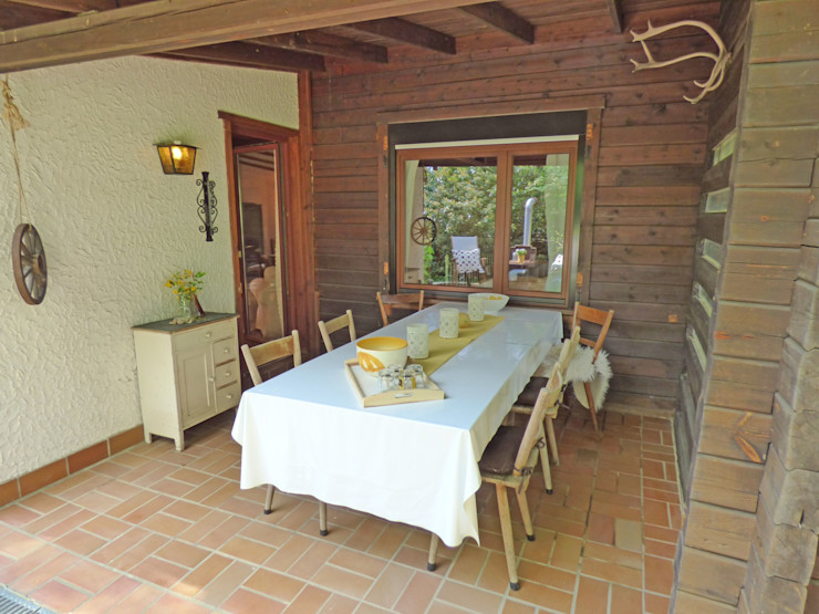 Birgit Hahn Home Staging Country style balcony, veranda & terrace