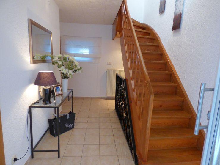 Birgit Hahn Home Staging Country style corridor, hallway& stairs