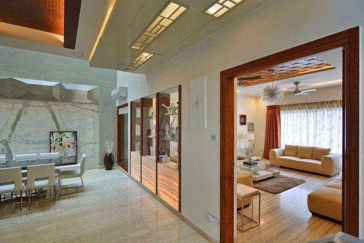 GAJENDRA YADAV'S RESIDENCE Spaces Architects@ka Modern living room