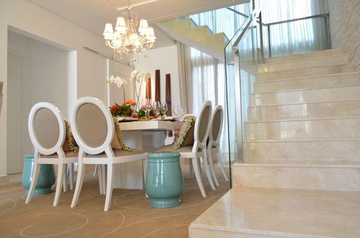 Renata Matos Arquitetura & Business Modern Dining Room