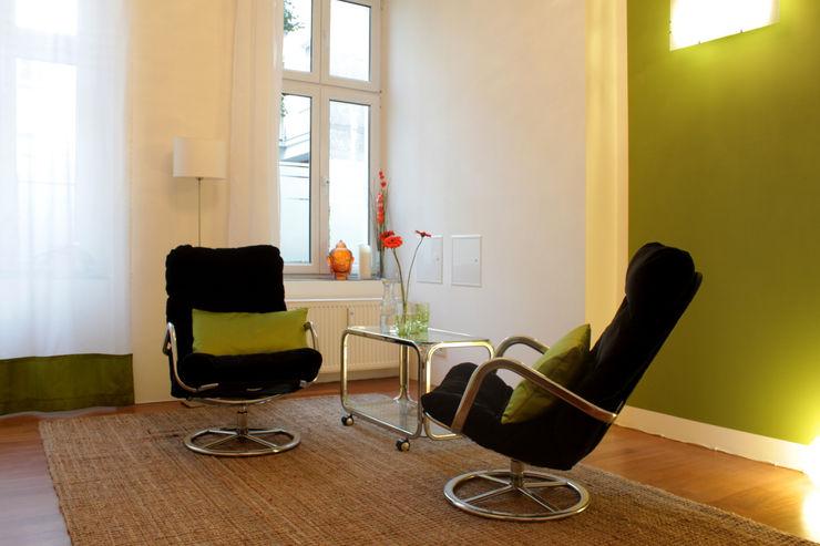 Arbeitszimmer für Beratung und Coaching ORTerfinder Moderne Arbeitszimmer Grün
