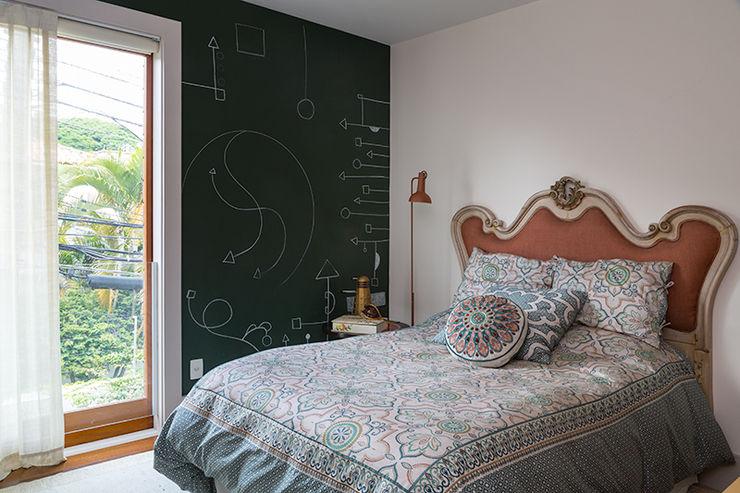 Eliane Mesquita Arquitetura Modern style bedroom