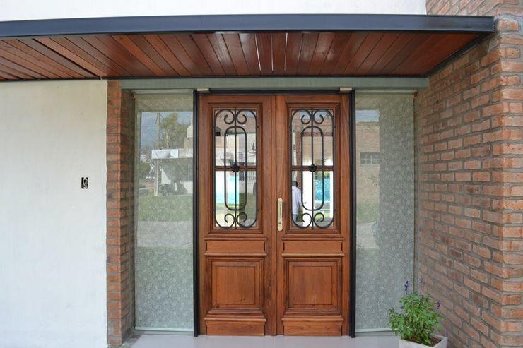 Casa Caro & Emi Aureo Arquitectura Modern Windows and Doors