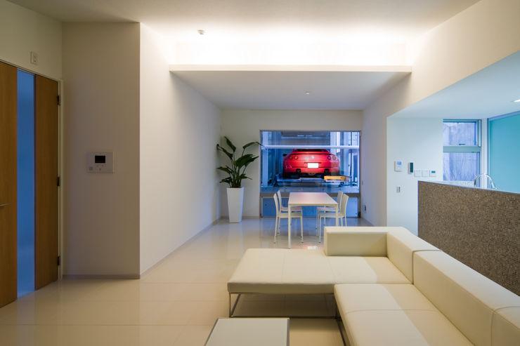Kenji Yanagawa Architect and Associates Modern Living Room