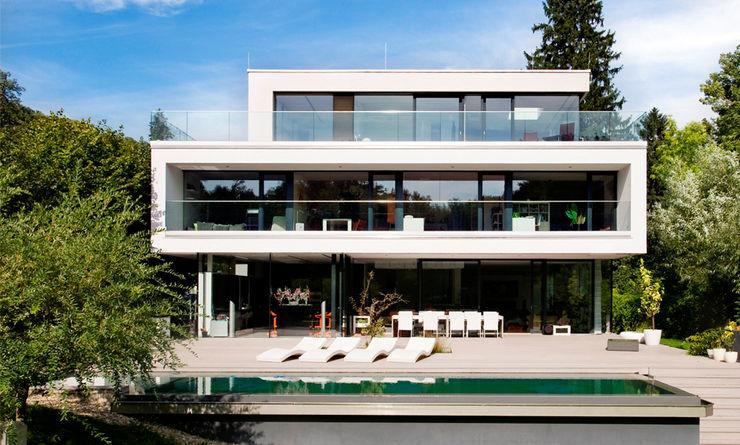 Einfamilienhaus in Hinterbrühl bei Wien WUNSCHHAUS Moderne Häuser Ziegel Weiß