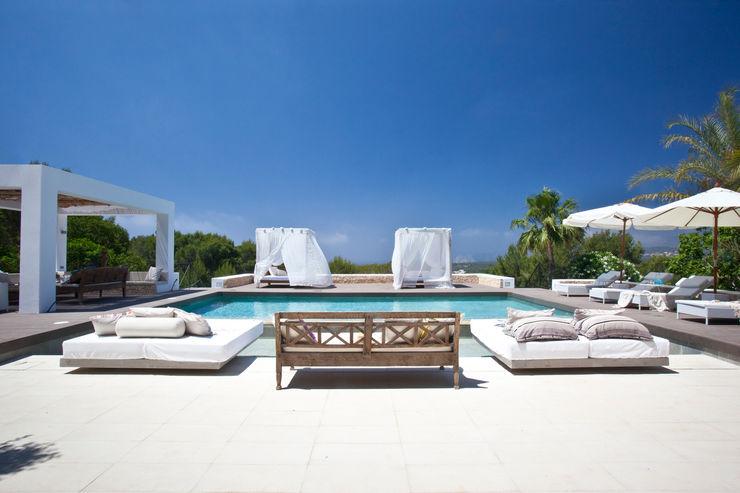 ANTONIO HUERTA ARQUITECTOS Mediterranean style pool