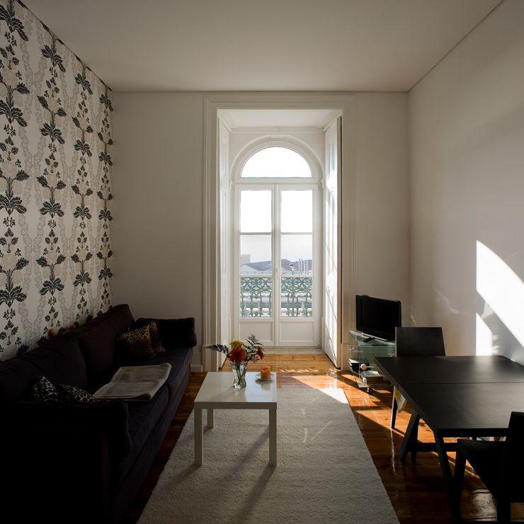 VÃO - Arquitectos Associados, Lda. Living room Solid Wood