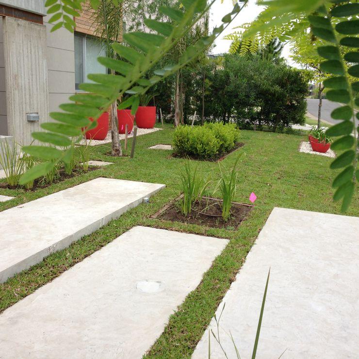 BAIRES GREEN Modern garden