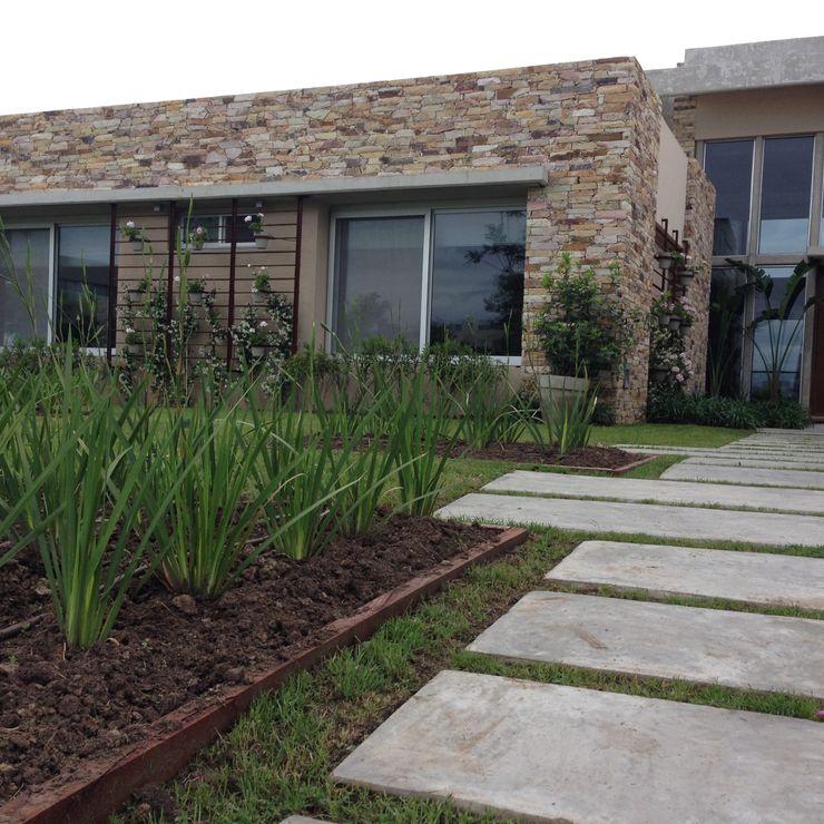 BAIRES GREEN Jardines de estilo clásico