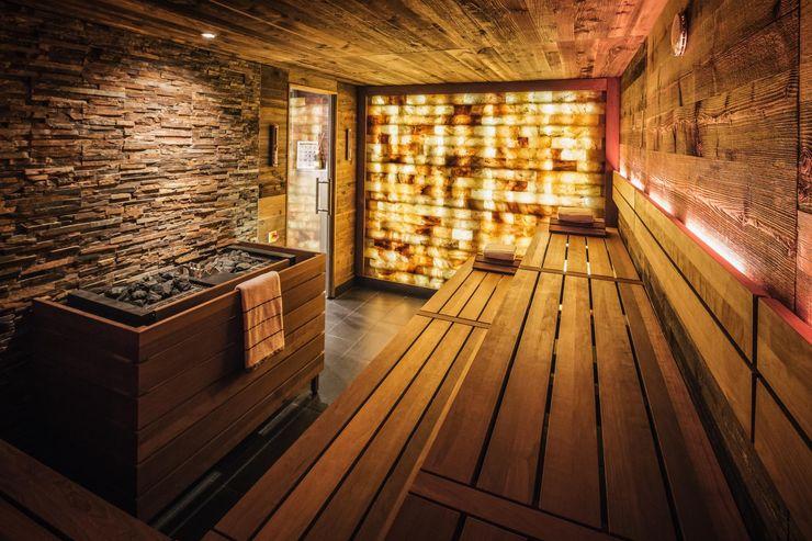 Referenz Nr. 3 corso sauna manufaktur gmbh Eclectic style hotels Wood Amber/Gold