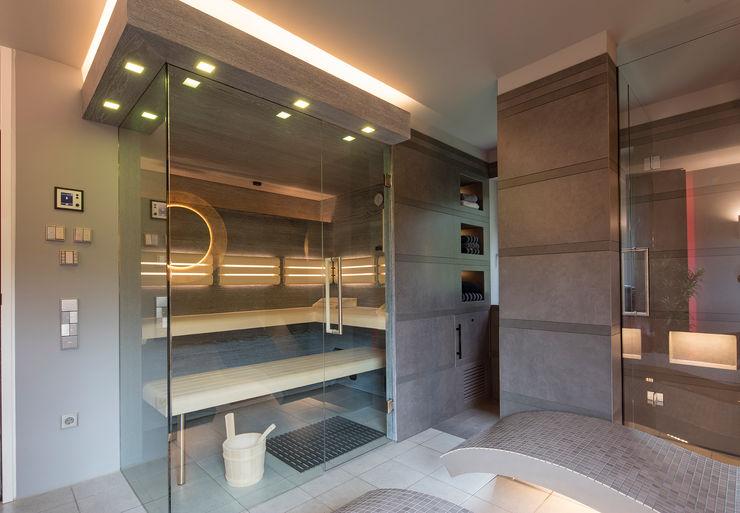 Design-Sauna im ehemaligen Kinderzimmer. corso sauna manufaktur gmbh Moderner Spa