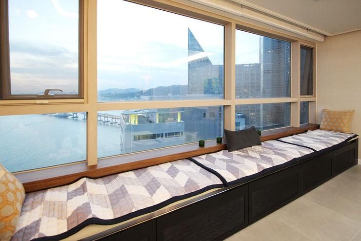 필립인테리어 Moderne balkons, veranda's en terrassen