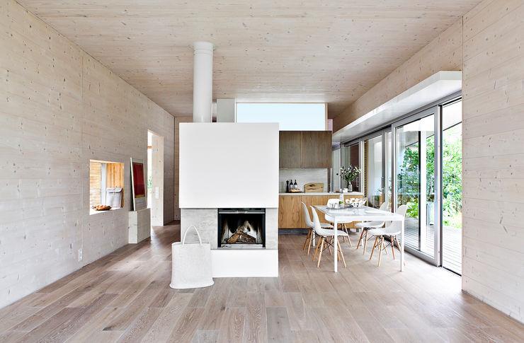 DANKE Architekten Modern dining room