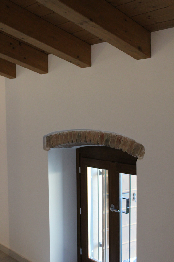 Realizzazioni Adami|Zeni Ingegneria e Architettura Finestre & Porte in stile moderno
