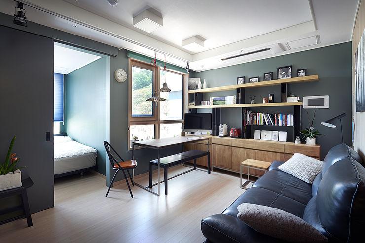 Colorful Small House housetherapy 모던스타일 거실 녹색