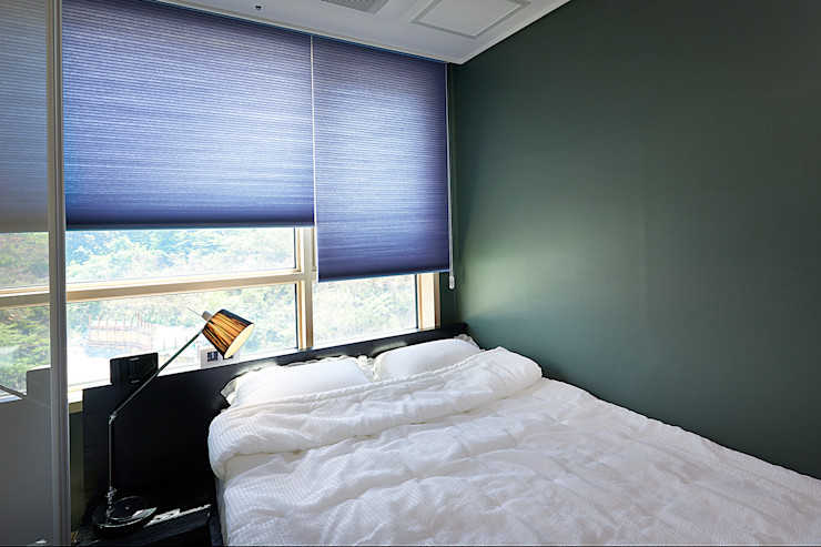 housetherapy Modern style bedroom Green