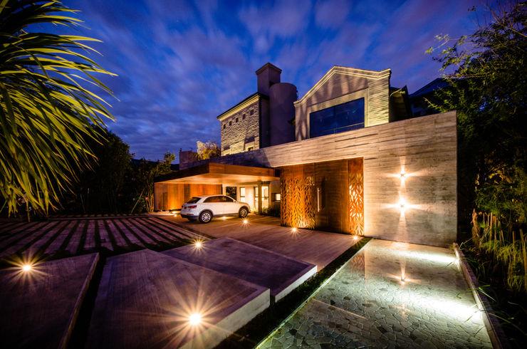 BLOS Arquitectos Casas de estilo moderno Hormigón