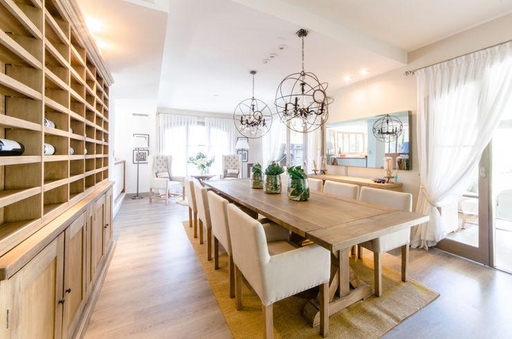 BLOS Arquitectos Modern dining room White