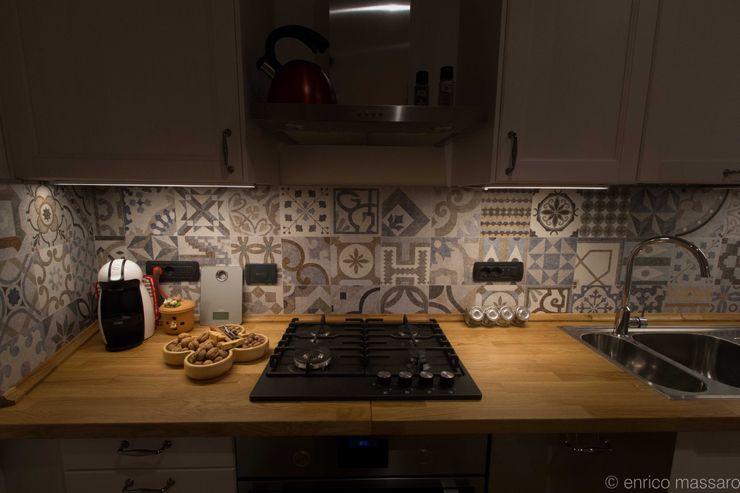 enrico massaro architetto Rustic style kitchen Ceramic Multicolored