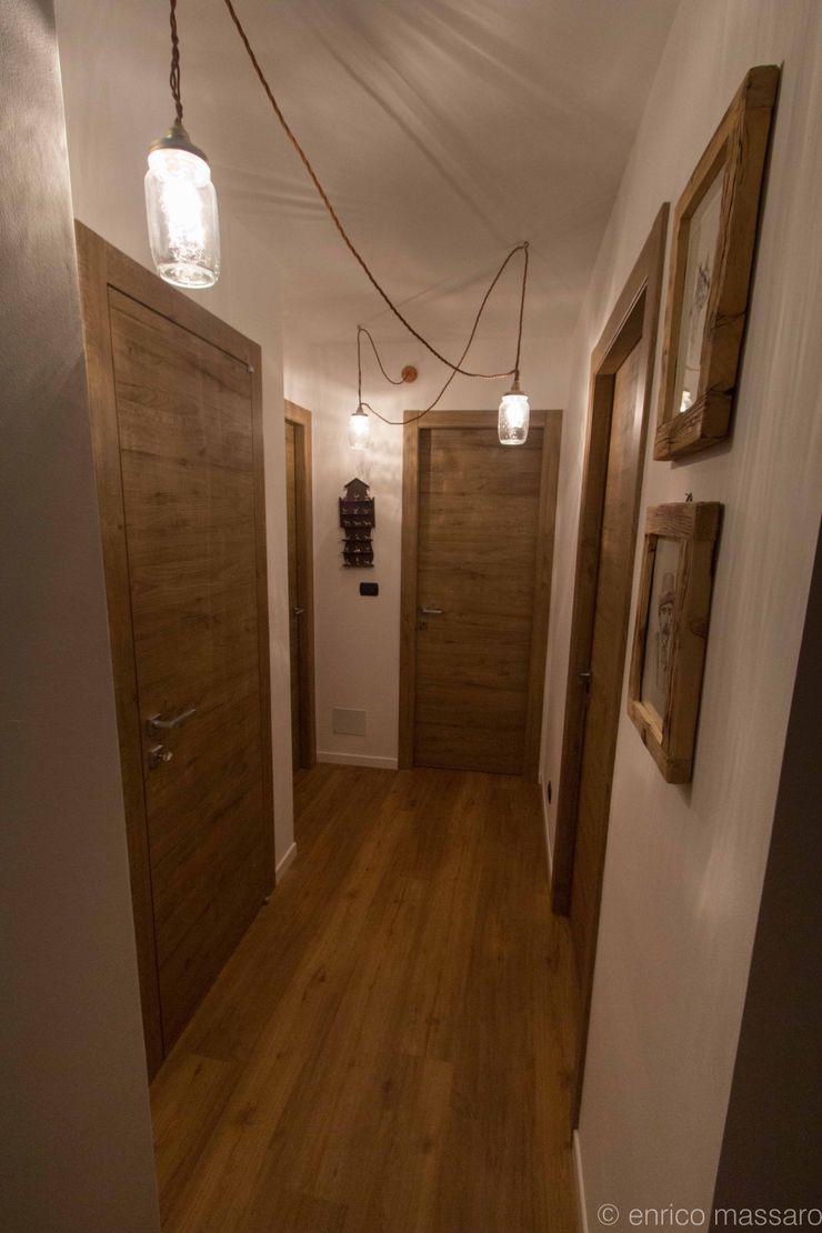 enrico massaro architetto Rustic style corridor, hallway & stairs Engineered Wood Wood effect