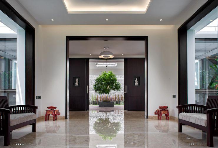 Simple straight lines Cubism Modern corridor, hallway & stairs