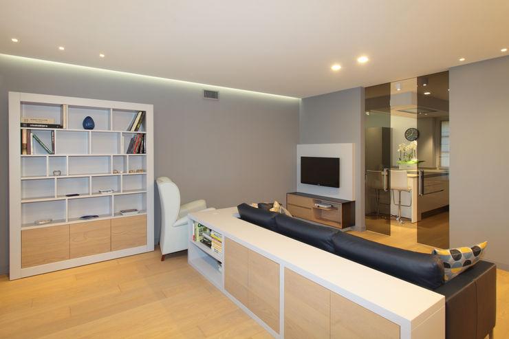 architetto roberta castelli Livings de estilo moderno