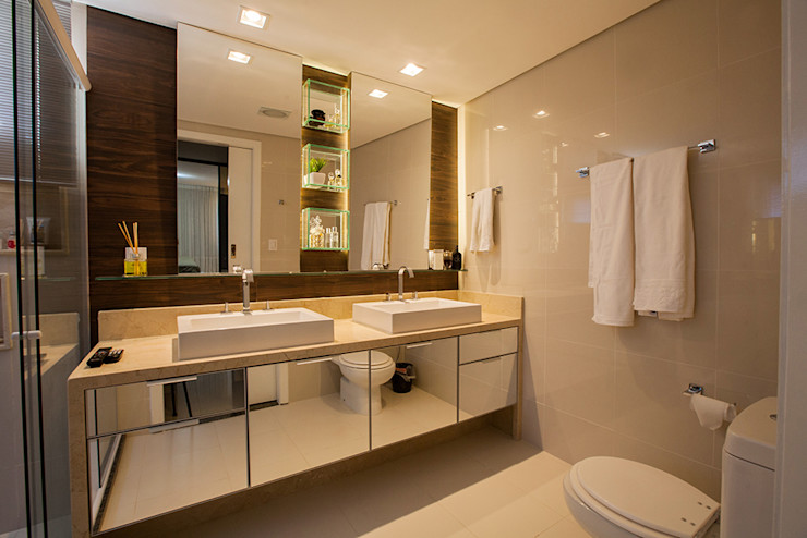 Casa2640 Eclectic style bathrooms