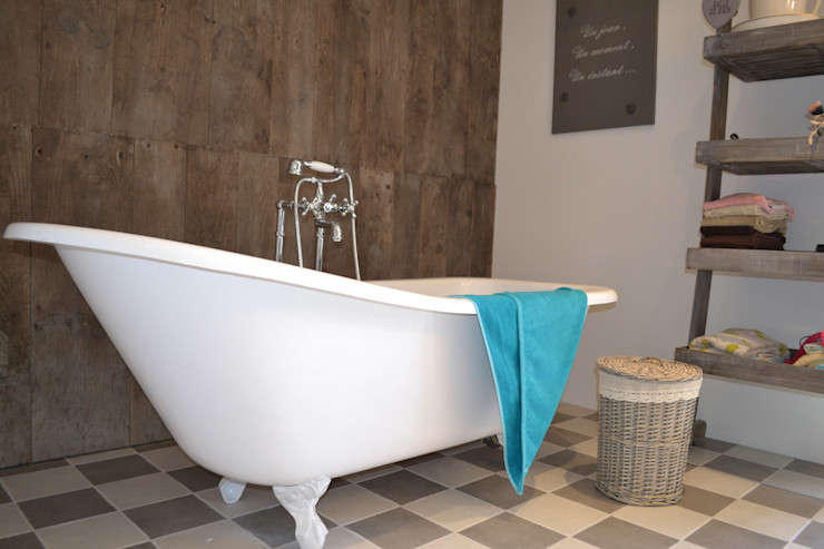 Courants Libres Industrial style bathroom