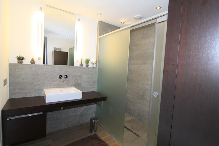 Architekturbüro Ketterer Phòng tắm phong cách hiện đại