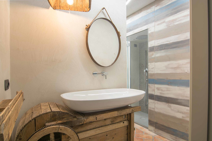 homify Industrial style bathroom Solid Wood Blue