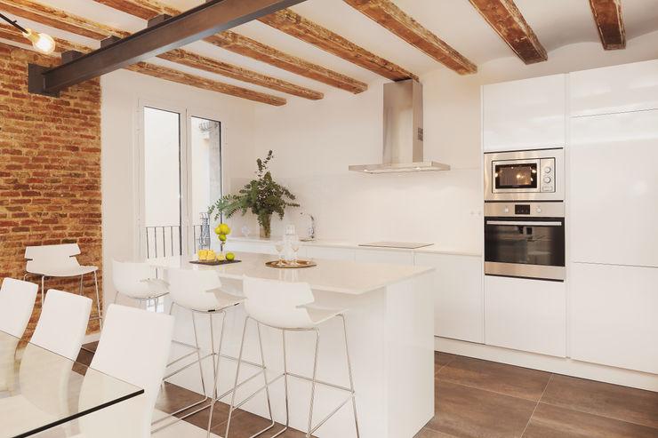 Kitchen Markham Stagers Cozinhas modernas Branco
