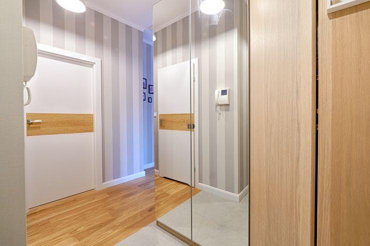 DreamHouse.info.pl Skandinavischer Flur, Diele & Treppenhaus