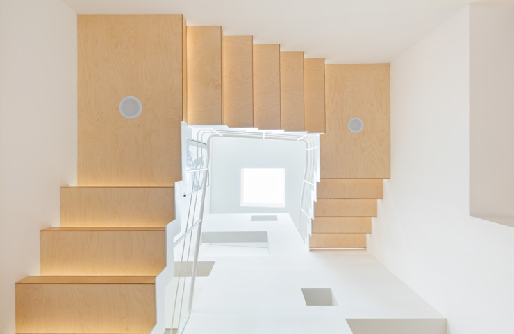 aandd architecture and design lab. Modern Corridor, Hallway and Staircase