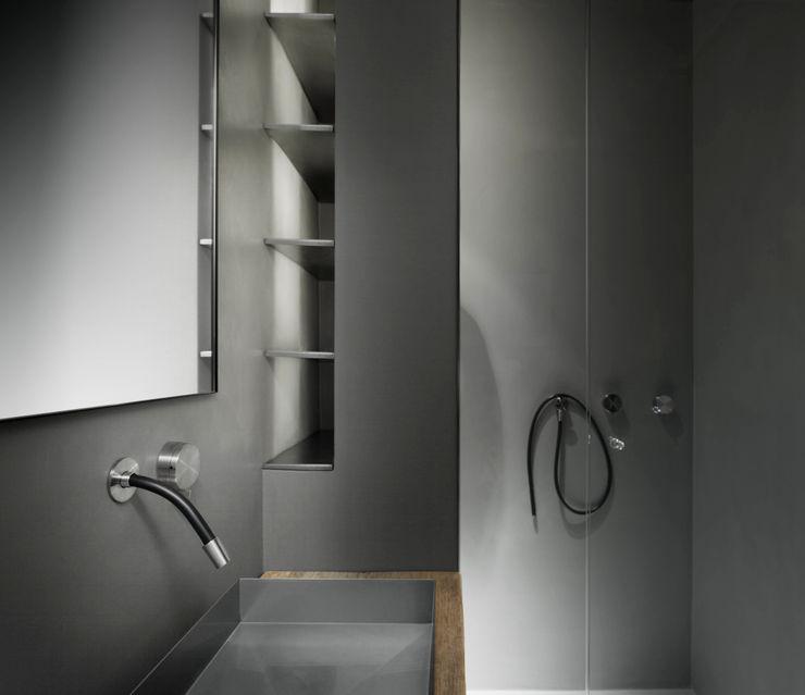 StudioCR34 Minimalist style bathrooms