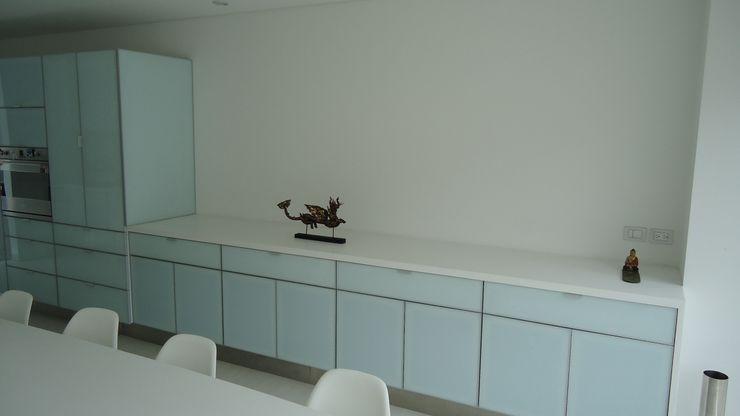 Mako laboratorio KitchenBench tops Plastic White