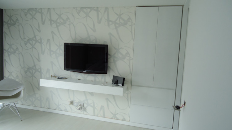 Mako laboratorio BedroomWardrobes & closets Wood White